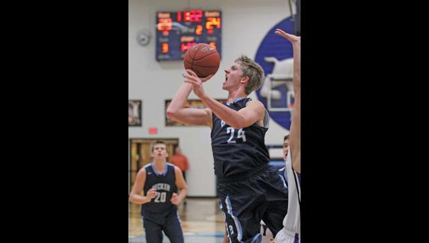 BECKER'S MICHAEL VELDMAN scored 29 points Saturday in the second game of the Princeton Tournament, helping to catapult the Bulldogs to a 71-59 win over the St. Anthony Huskies