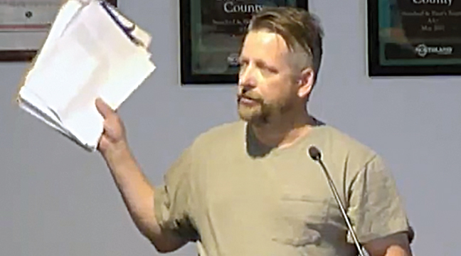 Dennis Smith of Big Lake spoke to the commissioners about the 1,000 signatures he collected supporting the 2A resolution (Screen capture from video feed of meeting).